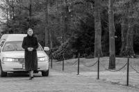 Aankomst rouwauto bij crematorium. Foto: Petra Harperink