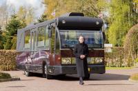 De uitvaartbus; www.uitvaartbus.com. Foto: Petra Harperink